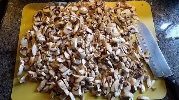 Roughly chop mushrooms.