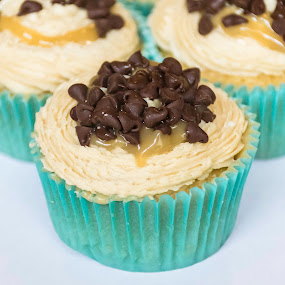 Salted Caramel Cupcake #2 by Nicole Mitchell - Food & Drink Cooking & Baking ( chocolate chips, sweet, cupcake, frosting, caramel, salt )