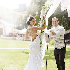 Wedding photographer Ivan Mladenov (mladenov). Photo of 11.02.2014