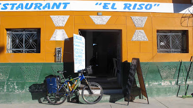 Photo: Hotel-Restaurante Riso en Puquio Nazca-Cusco en bici 30-Jun. al 07-Jul. (2012)