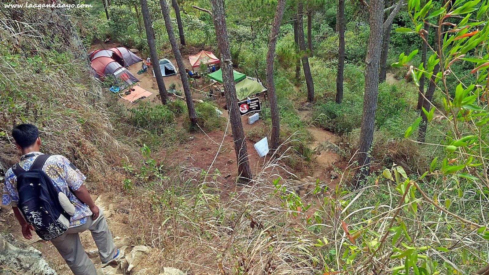Laagan Kaayo in Hanging Coffins, Sagada
