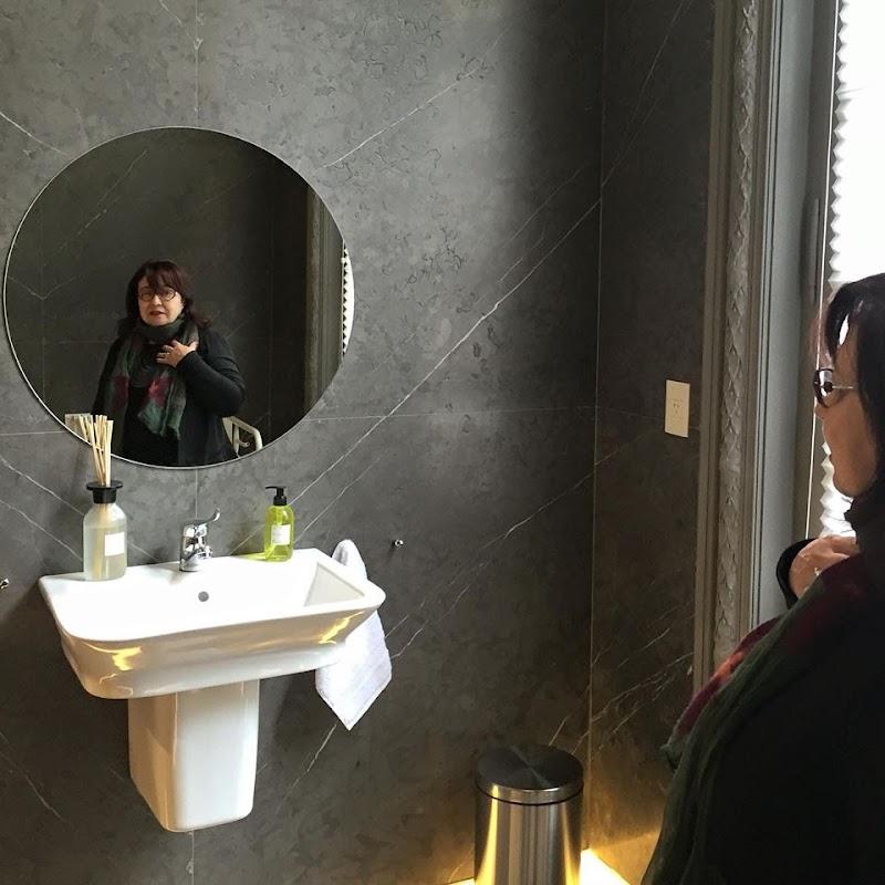 Casa FOA 2015: Baño Público Roca - Angélica Campi