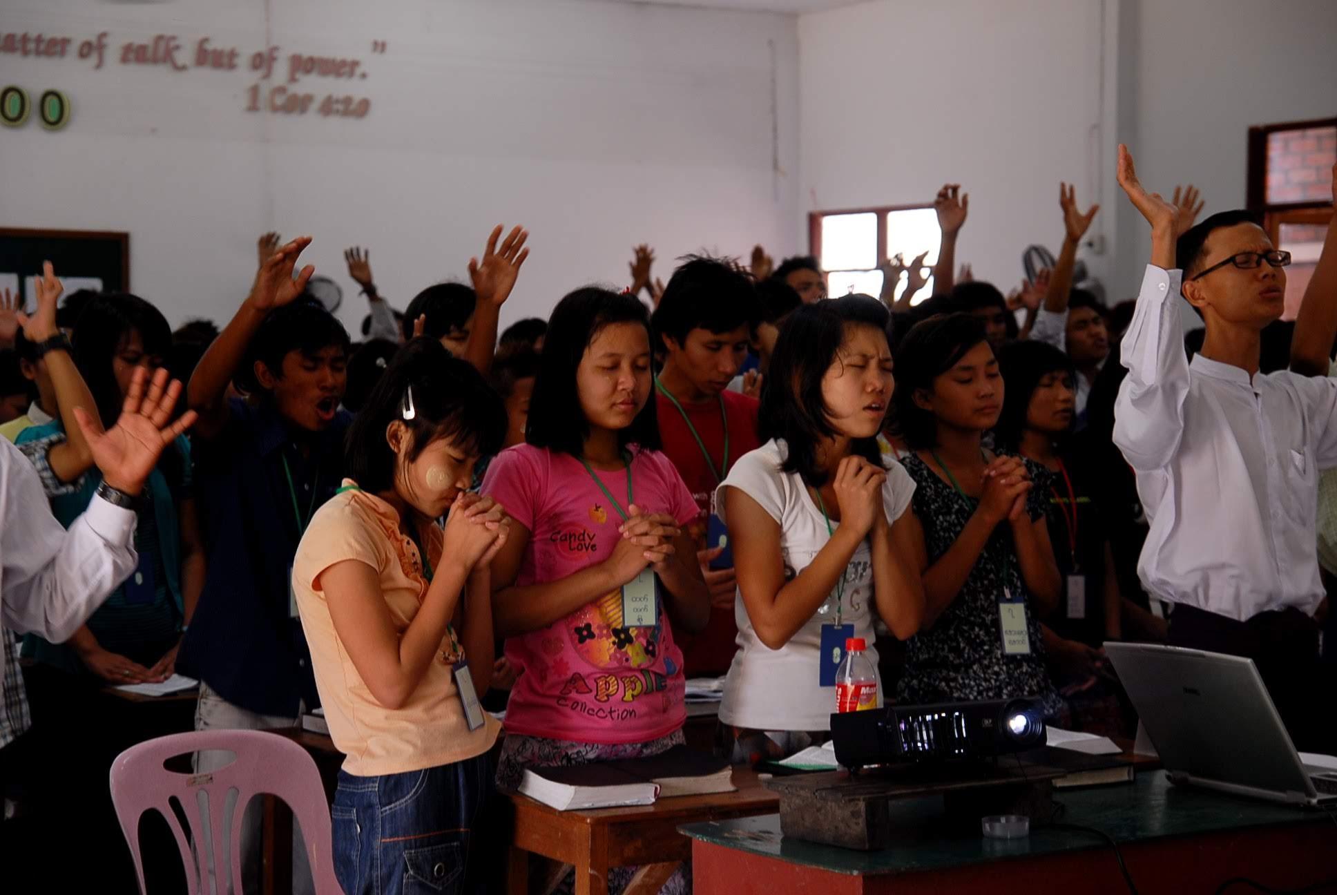 15일. 미얀마 기독교의 미래 – 미얀마의 젊은 목회자들