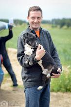 """Photo: Dzisiaj do nowego domu poszedł Czereśniak! Będzie miał duże """"pole"""" do popisu: nowy, duży dom, ogrodzona posesja i 15 letni, psi kolega. Powodzenia nasza mała Zadzioro"""