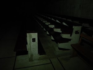 La Tourette - kościół w nocy