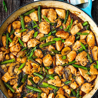 Easy Healthy Chicken and Asparagus Skillet.