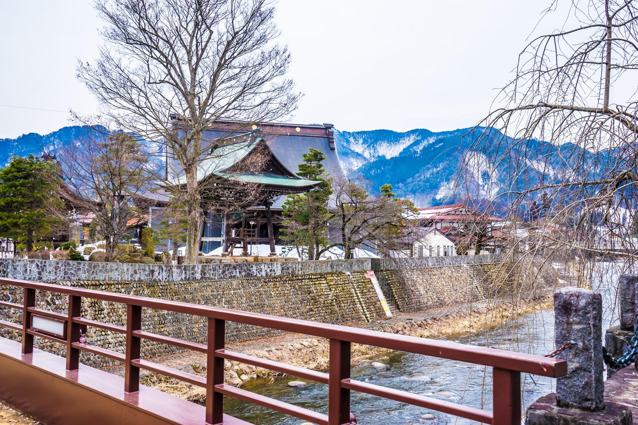 飛騨古川 本光寺1