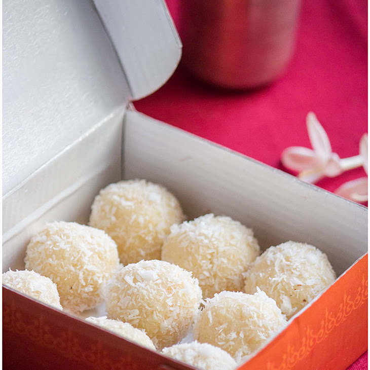 Coconut Ladoo / Indian Macaroon for a win !