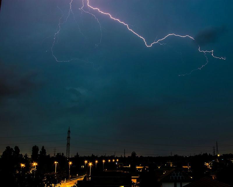 Atmosfera Notturna tempestosa di arturo aiello