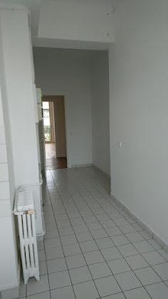 Location appartement 4 pièces 111 m2