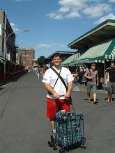 Photo: No me molesta hacer compra... pero, este carrito me saca la piedra!