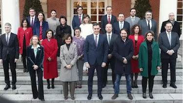 Foto de familia del nuevo Gobierno.