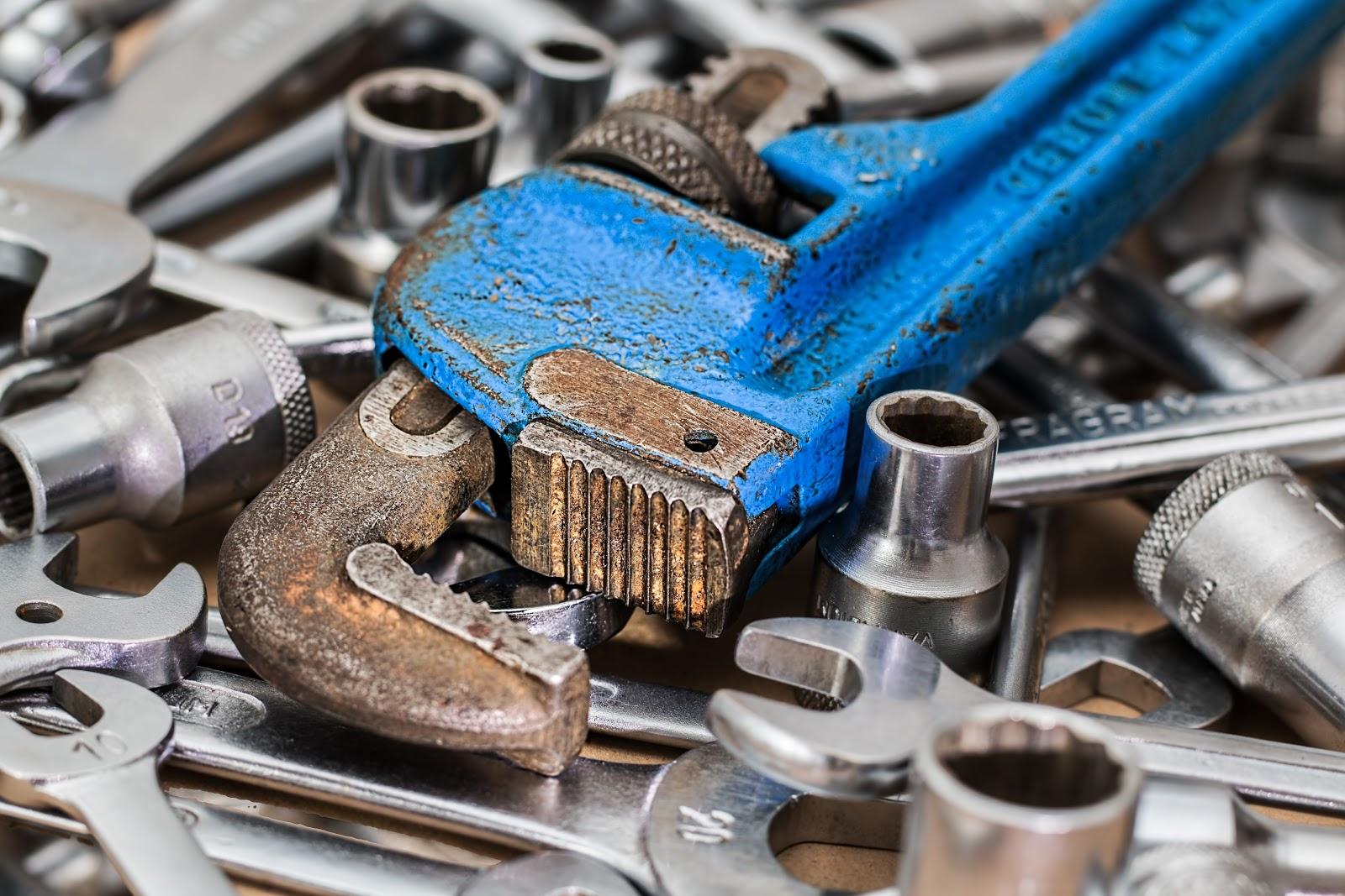 wrench-717684.jpg