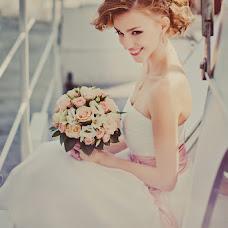 Wedding photographer Anastasiya Guseva (Fotopitoshka). Photo of 24.01.2013