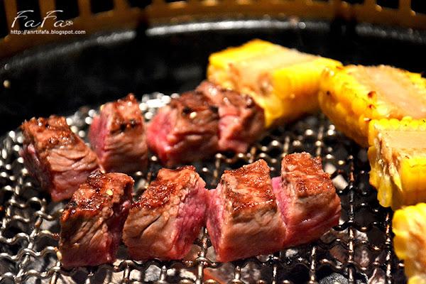 衚同燒肉(胡同)4號店。精緻單點式 安格斯黑牛五花肉、牛舌、松阪豬