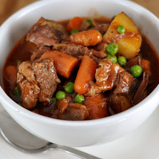 TASTY SLOW COOKER BEEF STEW