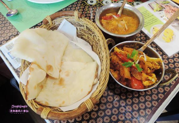 淇里思印度美食餐廳 CHILLIES。國美館附近人氣爆棚的印度料理,台灣人也吃得習慣的異國口味