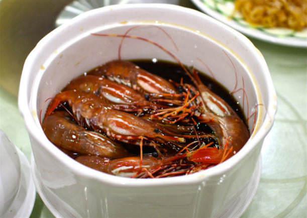 İğrenç Yiyecekler - Canlı karidesler