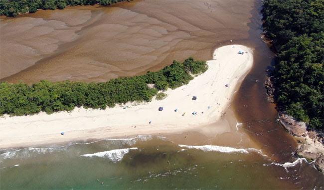 Praia do Puruba e Rio Puruba em Ubatuba