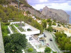 Photo: Cubiertas ajardinadas y vistas al Morro Toix.