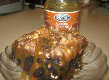 DARK CHOCOLATE TURTLE BROWNIES W/CARAMEL