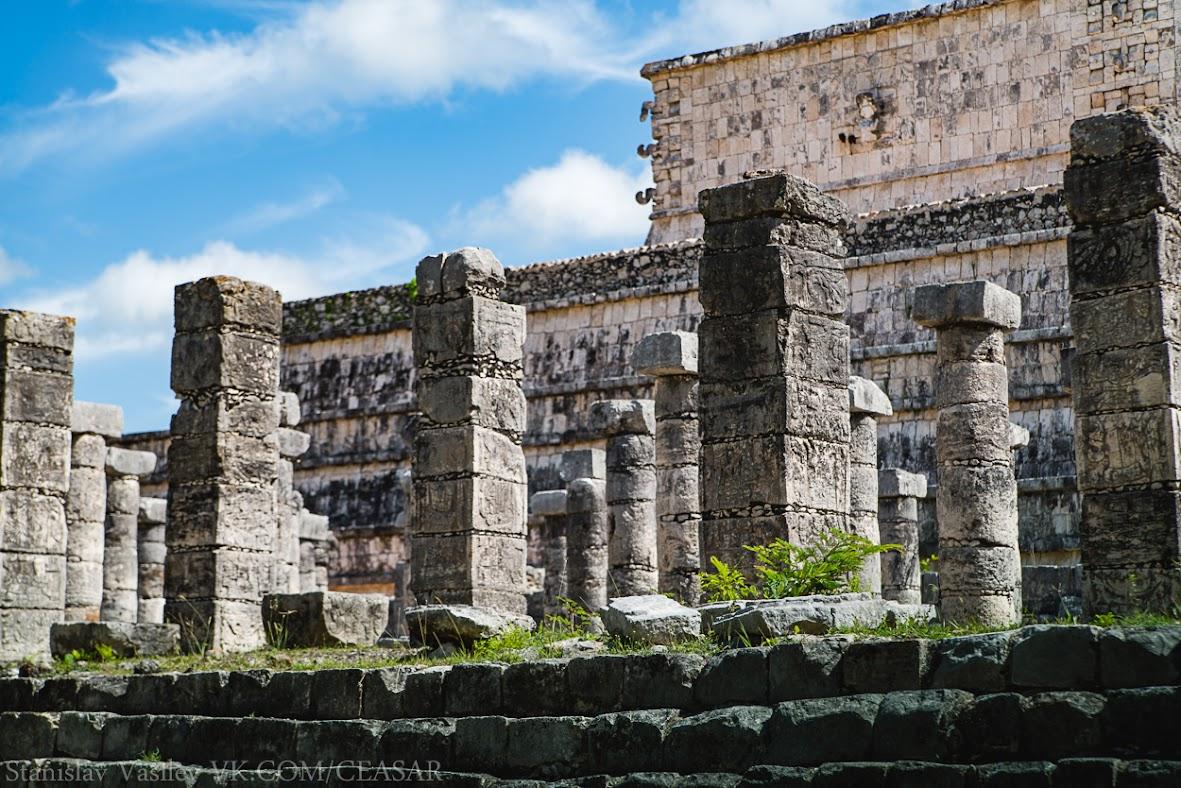 Чичен-Ица, Тысяча колонн