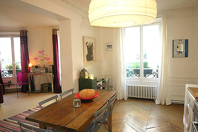 Dining space at 3 bedroom Apartment Rue Du Cherche Midi, St Germain