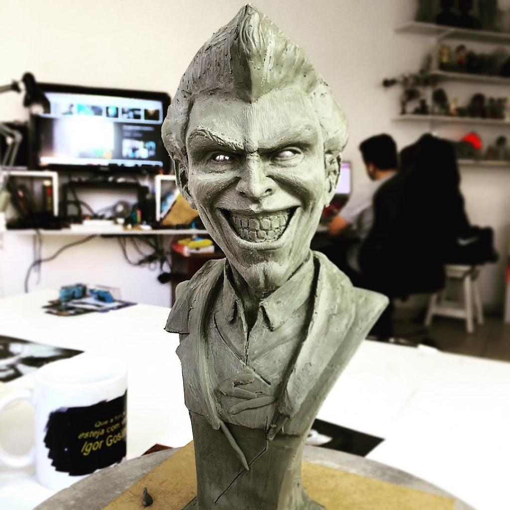 Escultura do Personagem Coringa Feita Em Oil Clay Por Aluno da Claytrix