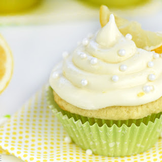The BEST Lemon Cupcakes with Lemon Cream Cheese Frosting.