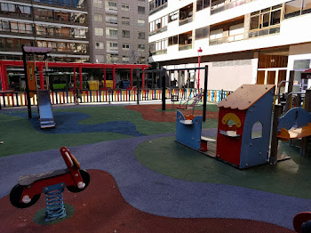 Parque infantil Plaza 8 de marzo