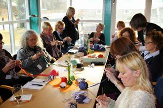 Photo: Hos Birgitta Engardt kunde man under fredagen lära sig mer om franska volanger.