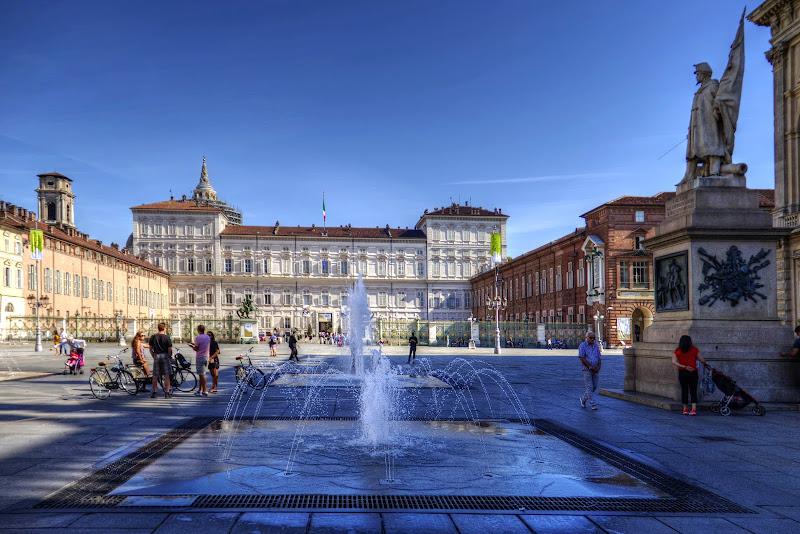 Giochi d'acqua in centro città di rip