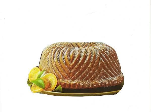 Kentuky Bourbon-pecan Pound Cake