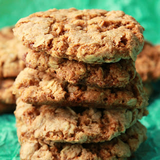 Simple Vegan Oatmeal Cookies.
