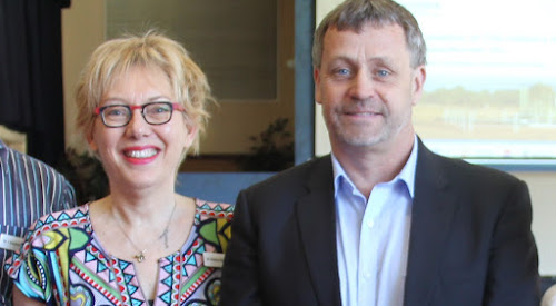 Report lead author Andrea Walton and GISERA director Damian Barrett at a presentation in Narrabri in September.