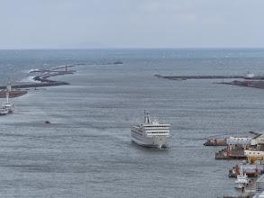 Photo: 佐渡から大型フェリーが到着