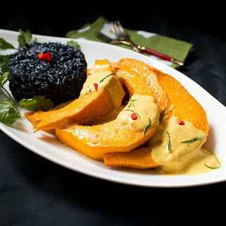 Roasted Kabocha Squash with Curried Sauce
