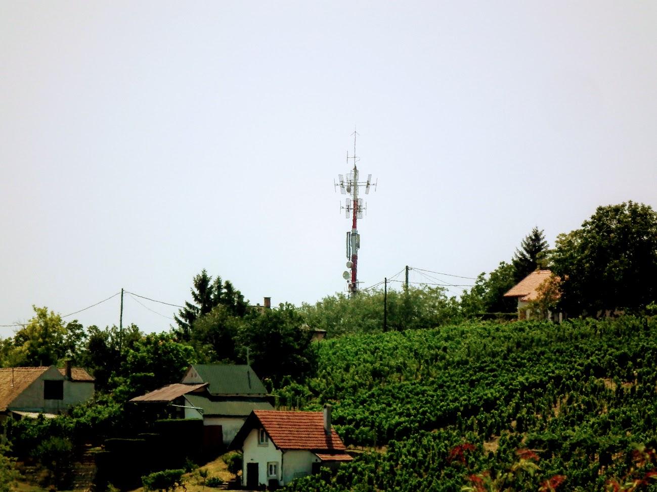 Szekszárd/Iván-völgyi-tető - helyi URH-FM adóállomás