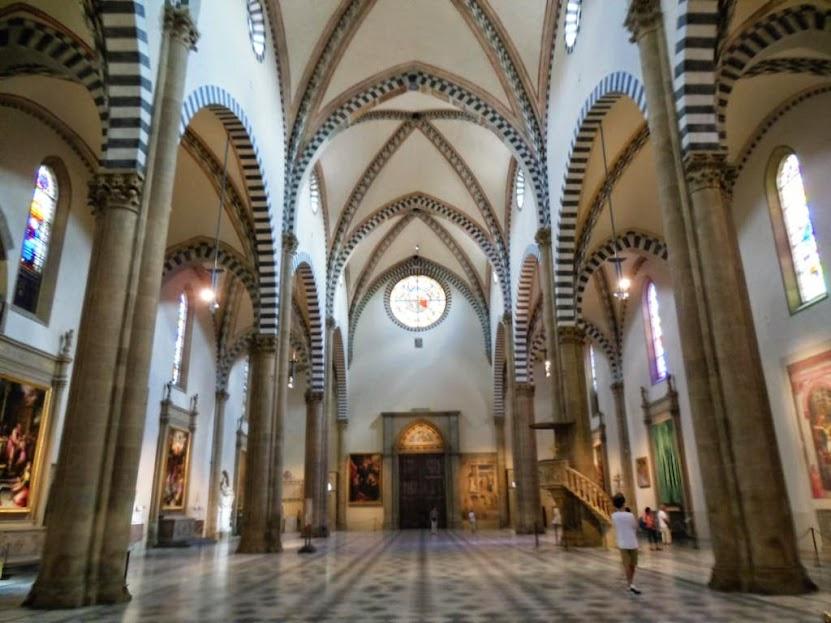 Santa María Novella está formada por 3 naves
