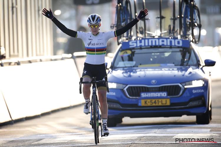 """Van der Breggen geniet in Omloop: """"We wilden volop proberen tot aan de sprint, we hadden Jolien nog achter de hand"""""""