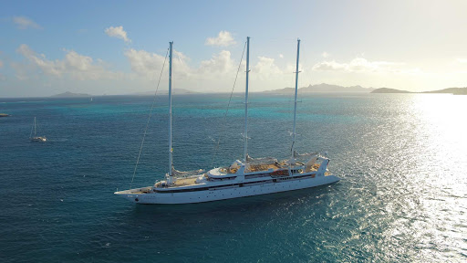 Ponant-LePonant-sails.jpg - Sail the Grenadines in the Caribbean on the spectacular 64-passenger luxury yacht Le Ponant.