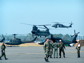 Photo: Huey, Blackhawk and Chinook (Hurricane Katrina, 2005) US Army