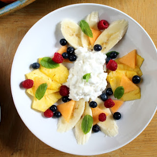 Fruit and Cottage Cheese Bowl