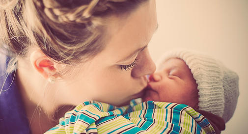 What expecting moms know – and don't know – about newborns