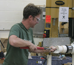 Photo: Hollowing the interior of the top section with a traditional straight hollowing tool fitted with a standard, fingernail-shaped bit.