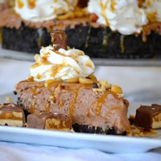 No Bake Nutella Snickers Pie