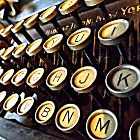 by Ana Cárdenas O - Artistic Objects Antiques ( typewriter, objects, letters, characters, antiques )