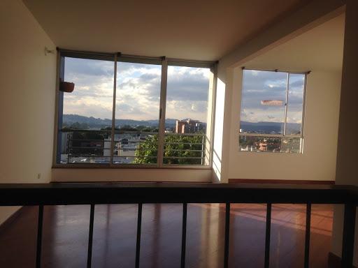 Apartamento en Venta - Bogota, Cedro Golf 642-4602