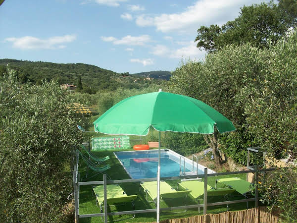 Villa Trasimeno with pool and lake view