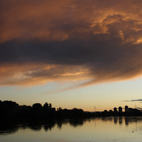 River Sava in Zagreb by Pancho Sastre - Landscapes Waterscapes ( sava, zagreb )